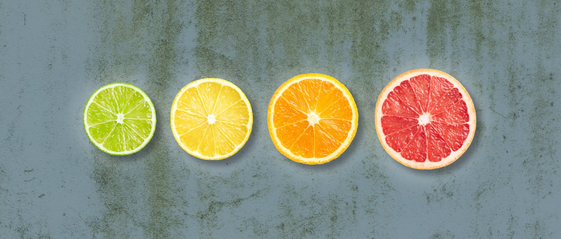 Organic citrus fruits for lemonade on a row